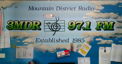 The Brekky Show with Wez on Mountain District Radio