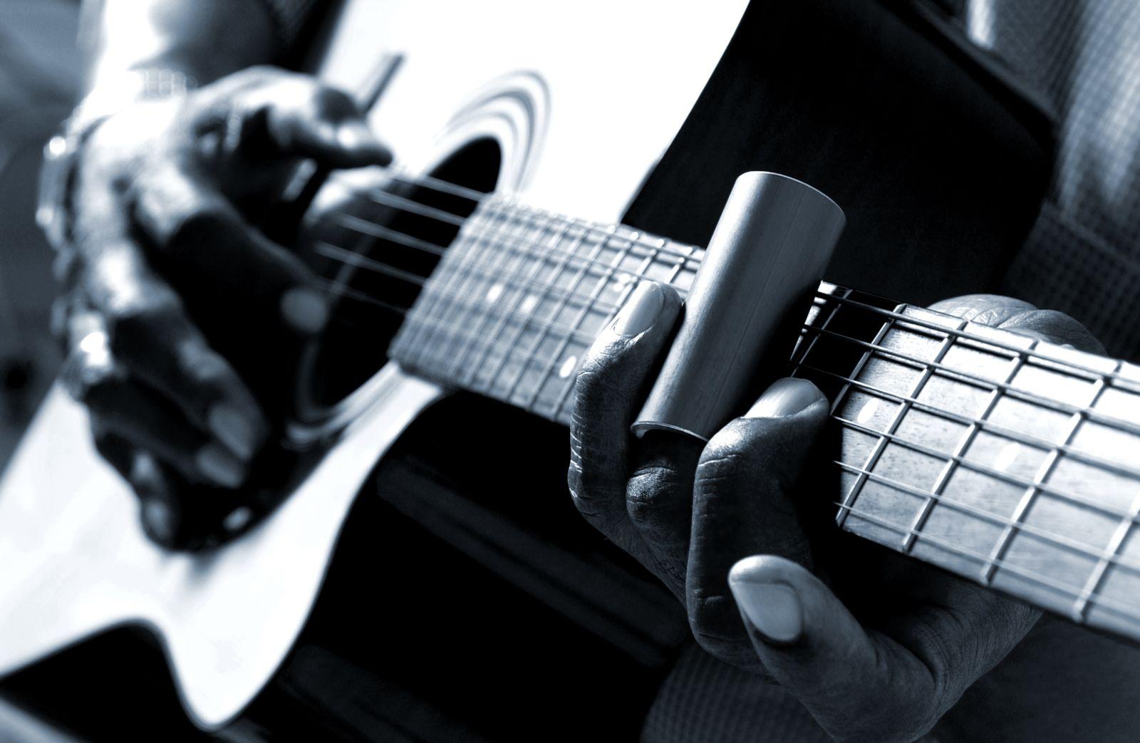 Boppin' the Blues with Wayne Carlson with Wayne Carlson on NOOSA FM