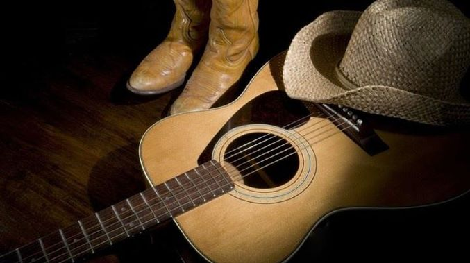 Classic Country with Nicolle on Capricorn Community Radio
