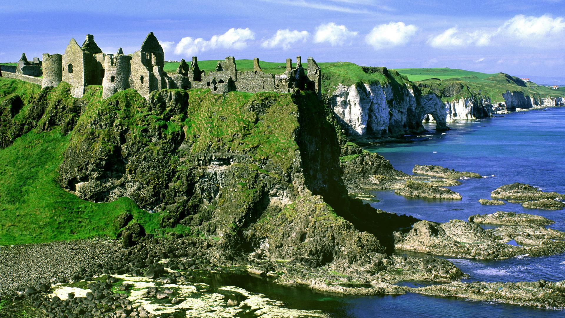 Emerald Isles with Diane Hamilton on Capricorn Community Radio
