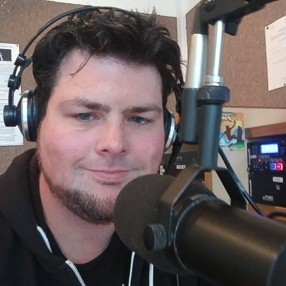 The Meltdown with OZ on Edge Radio 99.3FM